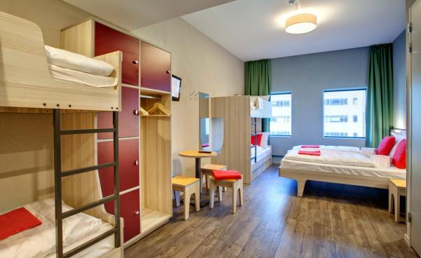 MEININGER Hotel Amsterdam City West, 6Bed room MG 5146